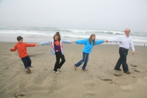 Hebrew School kids at Ocean Beach with Rabbi Mark Melamut